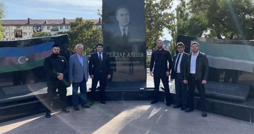 Diasporla İş üzrə Dövlət Komitəsinin əməkdaşları Qroznıya səfər edib