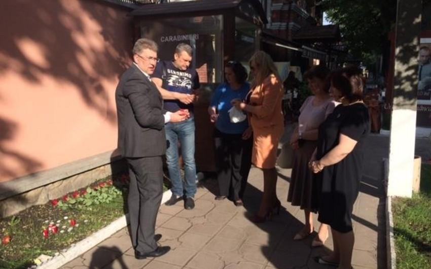 Moldova ictimaiyyəti Bakıdakı yanğın nəticəsində ölənlərin xatirəsini yad edib