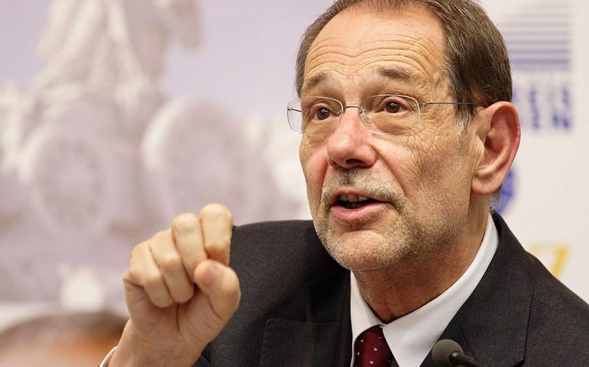Ex-NATO chief Solana denied entry to U.S.