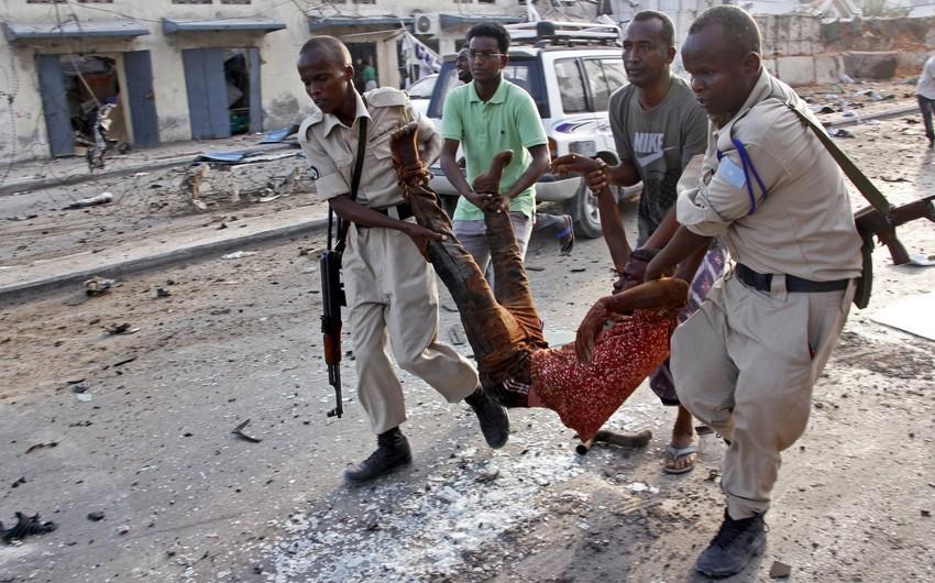 Somalidə terror aktları nəticəsində ölənlərin sayı 53 nəfərə, yaralıların sayı 100-ə çatıb  - FOTO - YENİLƏNİB-3