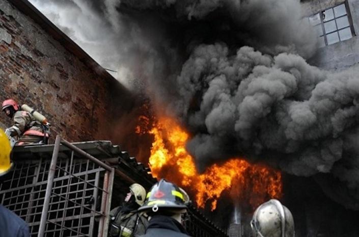 Пожар в частном доме в Нефтчале