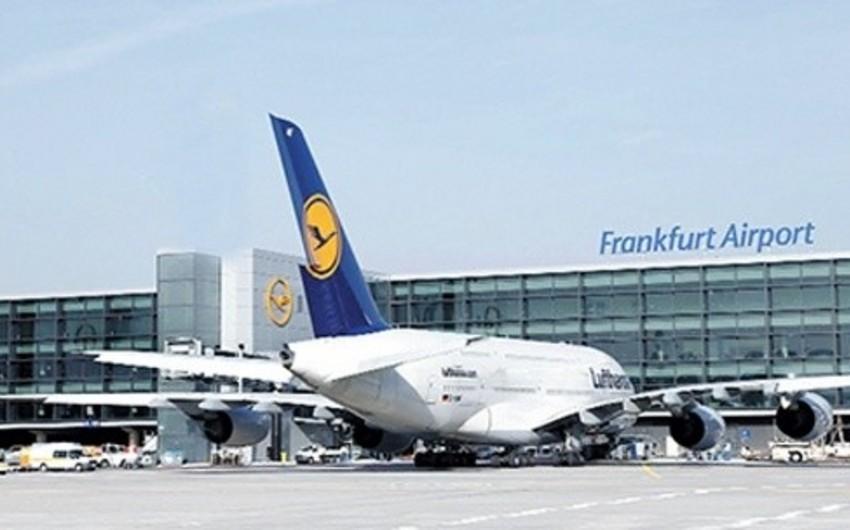 Almaniyanın Frankfurt hava limanında sərnişinlər təxliyyə edilib