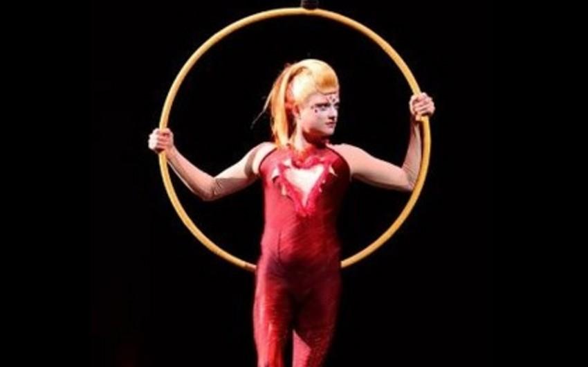 Cirque du Soleil aktrisası çıxışı zamanı yüksəklikdən yıxılıb