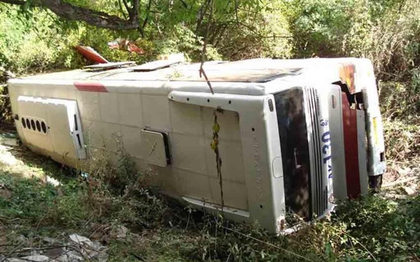 Peruda sərnişin avtobusu aşıb, 12 nəfər ölüb