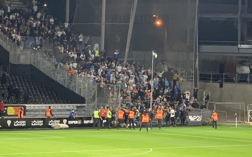 Mass brawl after French championship match