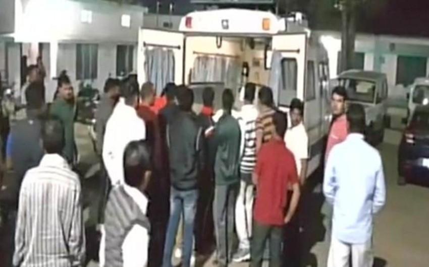 Hindistanda polis həmkarlarına atəş açıb, 4 nəfər ölüb, 1-i yaralanıb