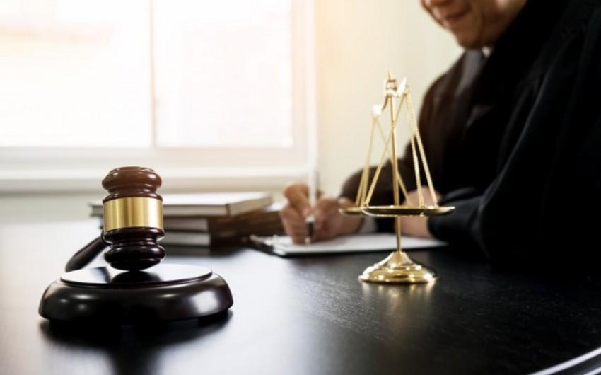 Hakim: Necə olur ki, bir əsgər 32 dəfə şəhər buraxılışına gedir?