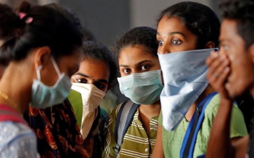 Hindistanda ötən gün 8 400 nəfərdə COVID-19 aşkarlandı