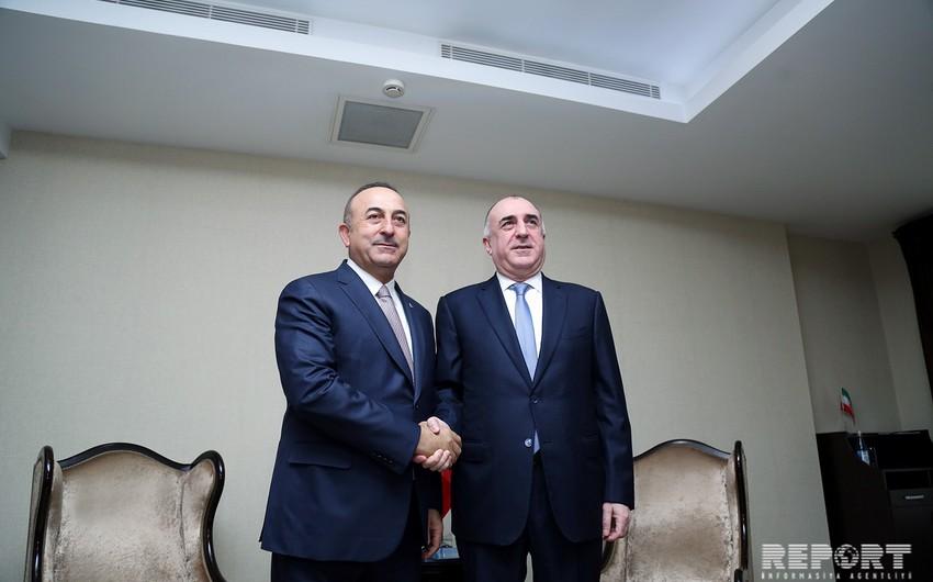 Bakıda Azərbaycan və Türkiyə XİN başçılarının görüşü başlayıb