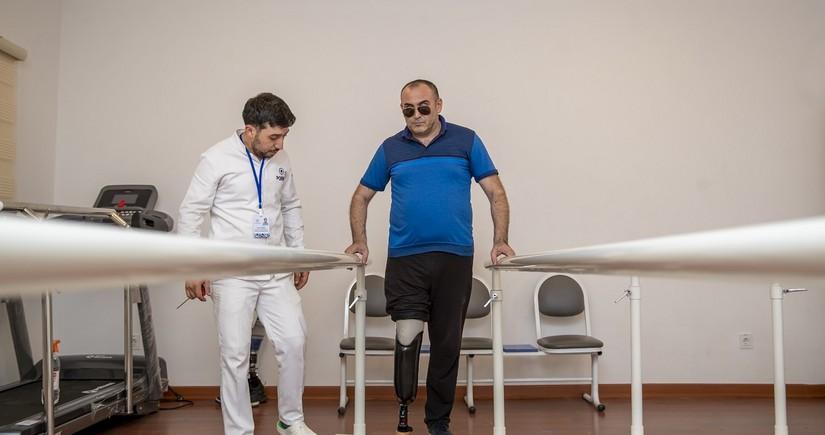 33 qaziyə son nəsil protezlər verilib