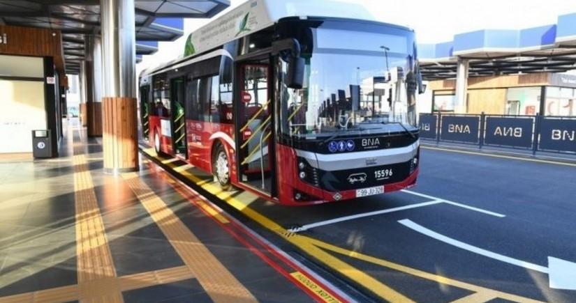 В Баку 31 маршрут перешел на безналичную оплату в этом году