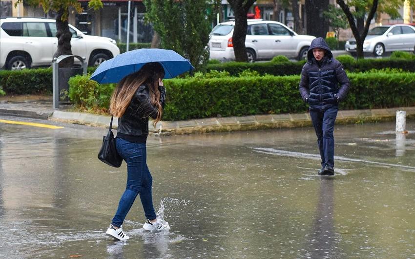Есть вероятность продолжения дождей ливневого характера в Баку и на Абшероне