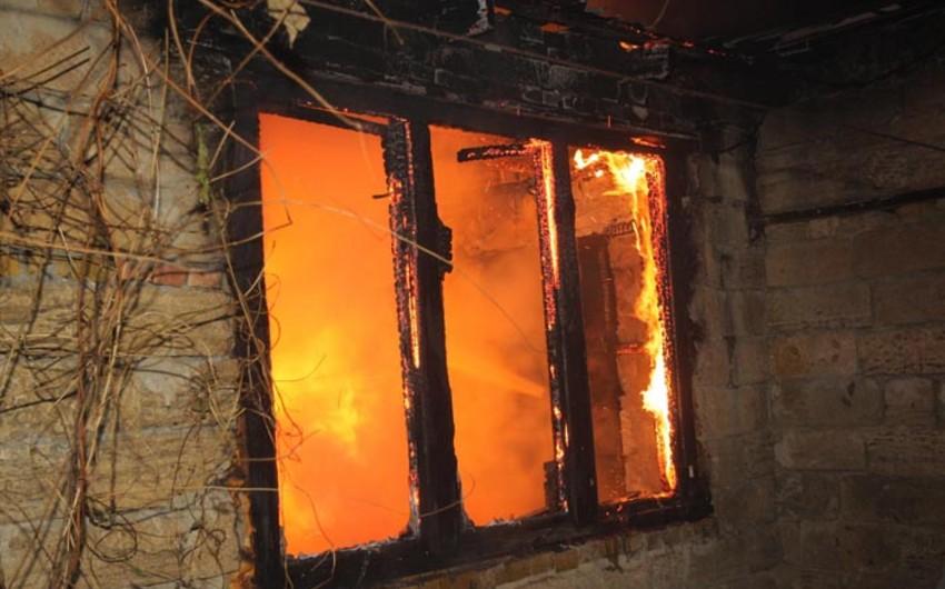 Masazır sakini evində yanaraq ölüb