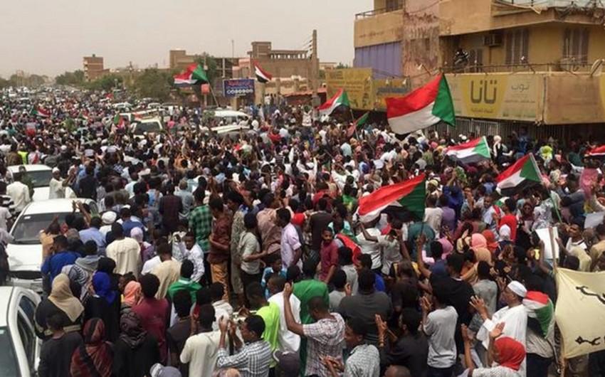 В Судане протестующие остановили работу аэропорта