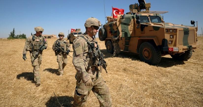 Suriyada Türkiyə hərbçilərinə hücum olub