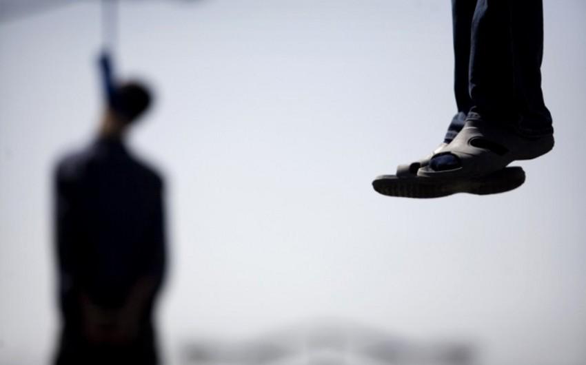 Tovuzda 52 yaşlı kişi özünü asaraq intihar edib