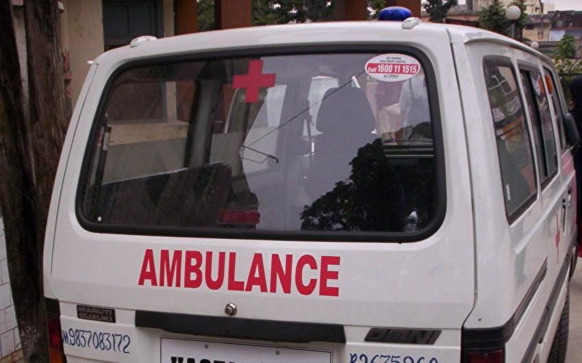 Hindistanda nəqliyyat deposu uçub, 8 nəfər ölüb, 3 nəfər yaralanıb
