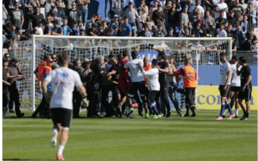 Футбольный матч Бастия - Лион не доигран из-за беспорядков