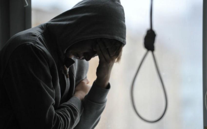 Xaçmazda 20 yaşlı oğlan özünü asaraq intihar edib