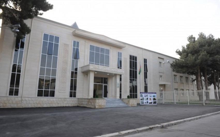 В Баку школьным классам присвоены имена шехидов апрельских боев