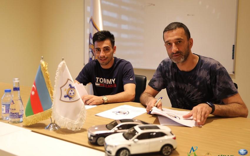 Карабах объявил о новом трансфере