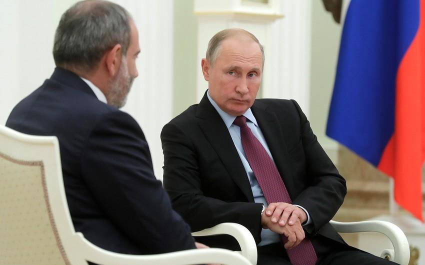 Putin Paşinyanla Ermənistan-Azərbaycan sərhədindəki vəziyyəti müzakirə edib
