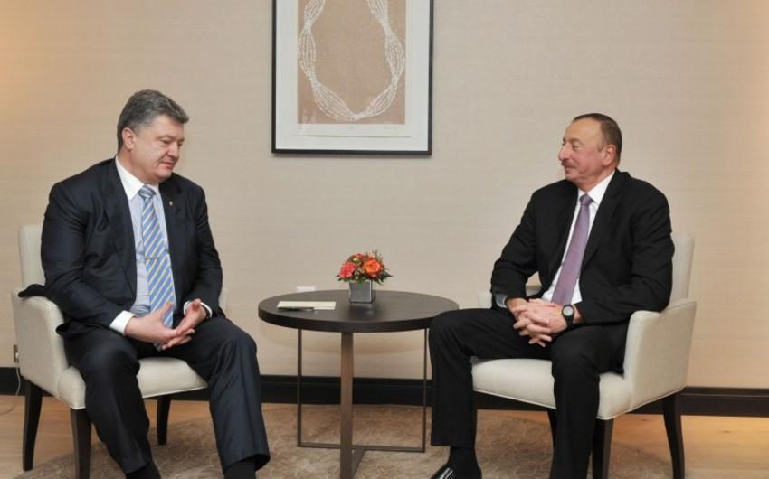 Prezident İlham Əliyev ukraynalı həmkarı Pyotr Poroşenko ilə görüşüb