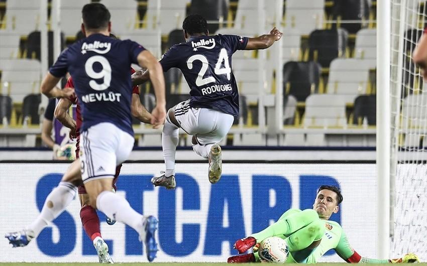 Türkiyə Super Liqası: Fənərbağça və Trabzonspor qələbə qazandı