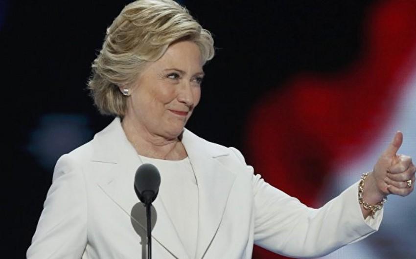 Klinton məşhurluğuna görə Trampı 8 faiz qabaqlayır