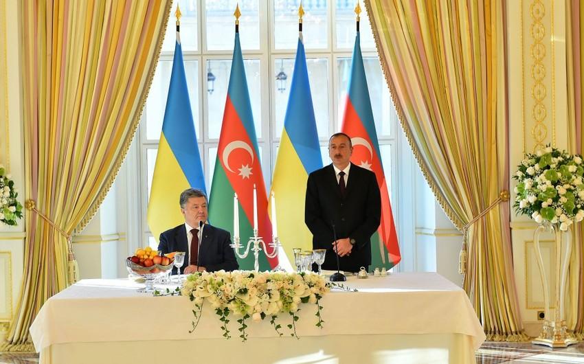 Ukrayna prezidentinin şərəfinə Bakıda rəsmi ziyafət verilib