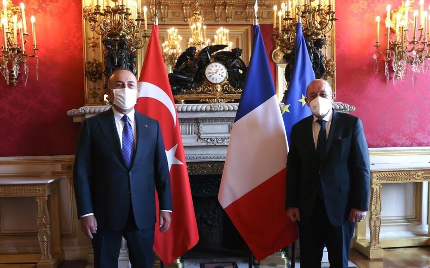Türkiyə və Fransa XİN başçıları arasında görüş olub