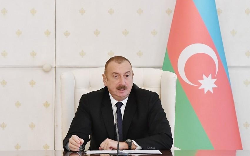 Azərbaycan Prezidenti: Qəzalı vəziyyətdə olan yataqxanalar sökülməlidir