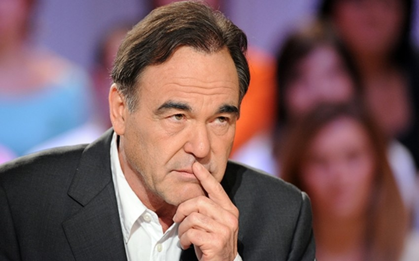 Hollivud rejissoru Yanukoviç haqqında film çəkir