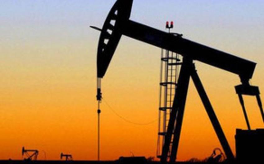 Azerbaijani oil price declines on markets