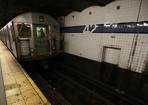Nyu-York metrosunda sərnişinlərə hücum olub, ölənlər və yaralananlar var