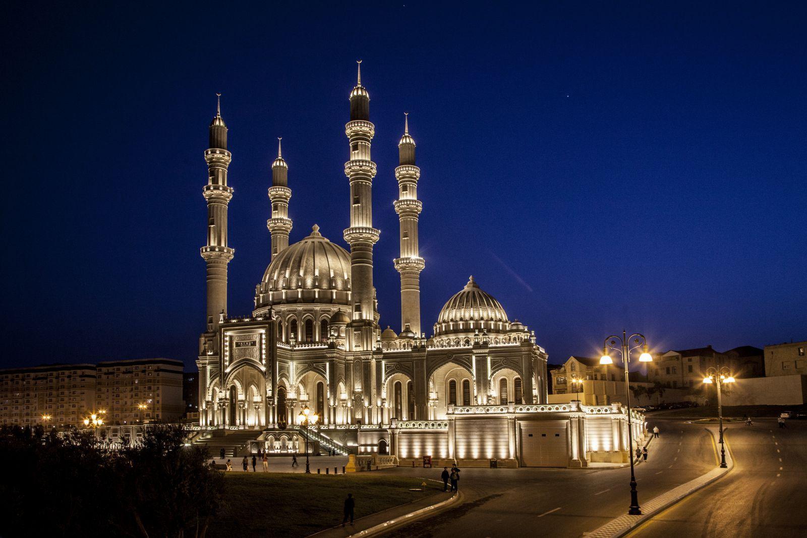В Баку отметят день рождения Пророка Мухаммеда (с.а.в.)