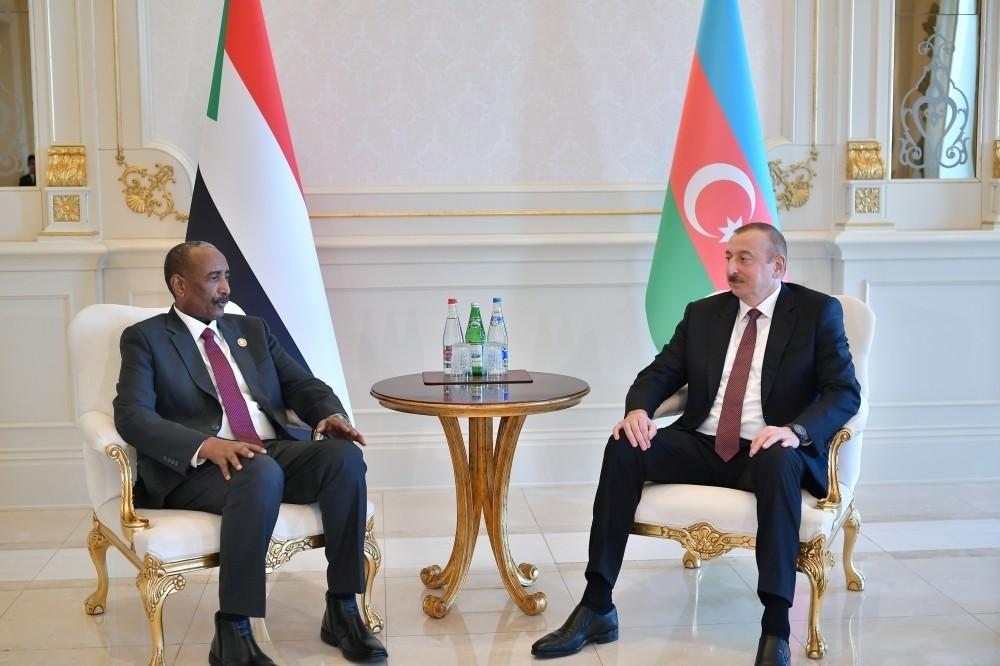 Президент Ильхам Алиев встретился с председателем Суверенного переходного совета Судана Абдель Фаттахом Абдельрахманом Аль-Бурханом