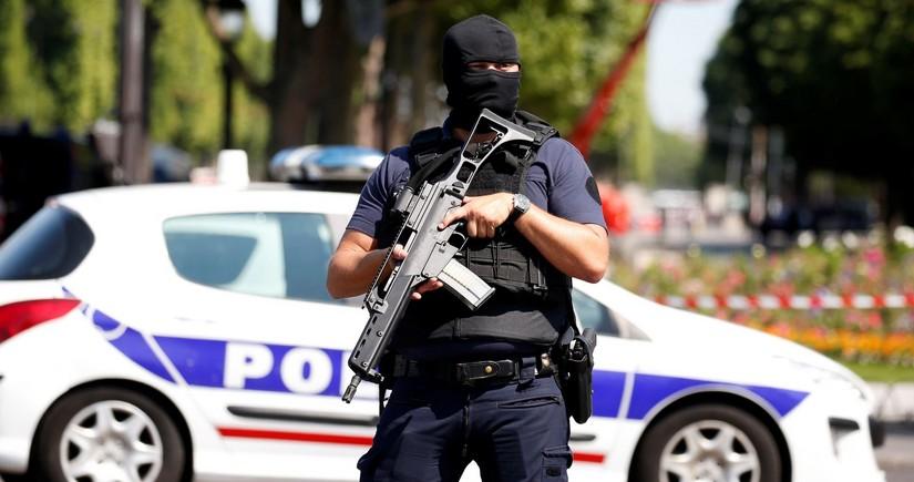 В пригороде Парижа неизвестные застрелили 15-летнего подростка