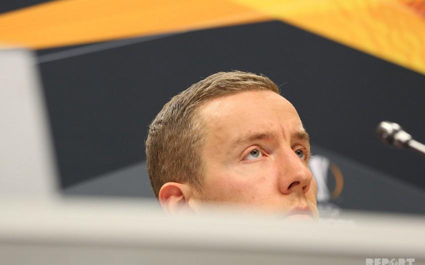 Вратарь сборной Исландии хочет покинуть Карабах