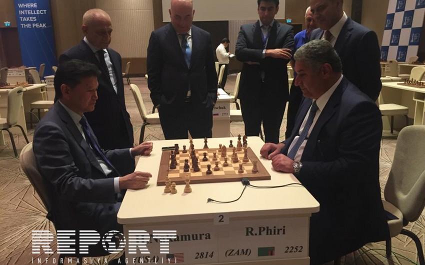 Nazir Azad Rəhimov FİDE prezidenti ilə şahmat oynayıb - FOTO