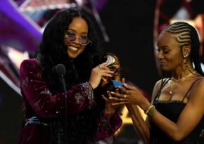 Corc Floyda həsr edilmiş musiqi Grammy versiyası üzrə ilin mahnısı oldu