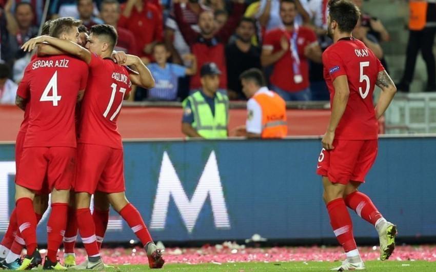 Qalatasarayın futbolçusu Türkiyə milli komandasının heyətindən çıxarılıb