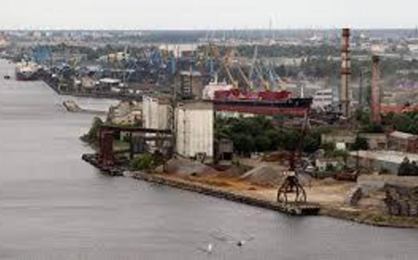 Латвия заинтересована в транспортировке нефти через свои порты в Беларусь