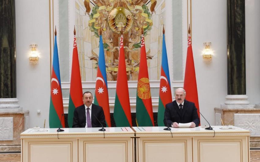 Azərbaycan və Belarus prezidentləri mətbuata birgə bəyanatlarla çıxış ediblər
