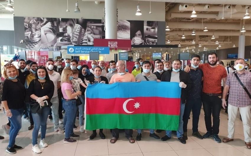 Azərbaycan 149 vətəndaşını BƏƏ-dən təxliyə etdi - YENİLƏNİB