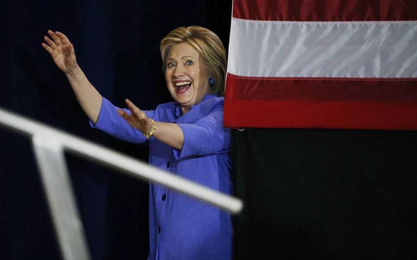 Klinton ABŞ prezidentliyinə namizədliyini irəli sürmək üçün lazım olan nümayəndə sayını toplayıb