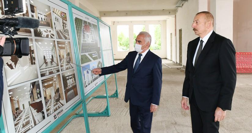 """Prezident Naxçıvanda """"ASAN xidmət"""" Mərkəzinin binasının tikintisi ilə tanış olub - YENİLƏNİB"""