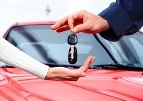 Доходы от аренды автомобилей в Азербайджане сократились вдвое