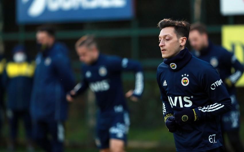 """Özil """"Fənərbağça""""dan 3 milyon avro maaş alacaq"""
