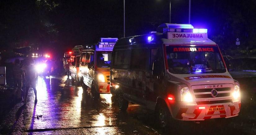 СМИ: число погибших при жесткой посадке в Индии достигло 15